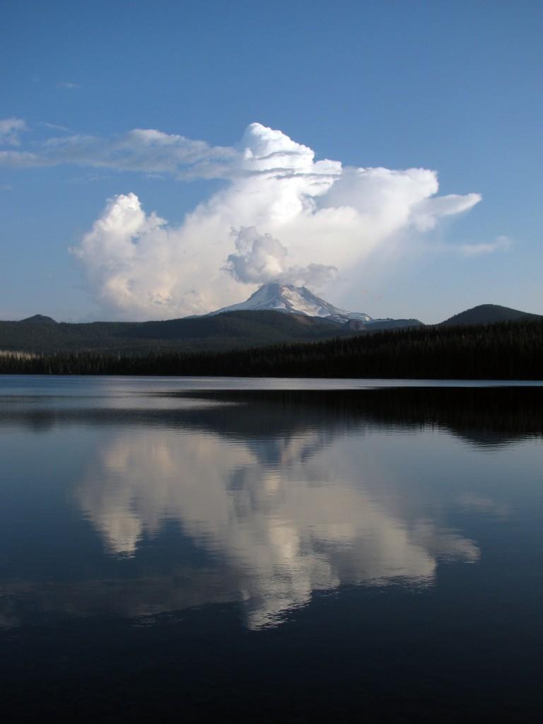 Thunderhead forming behind Mt. Jefferson