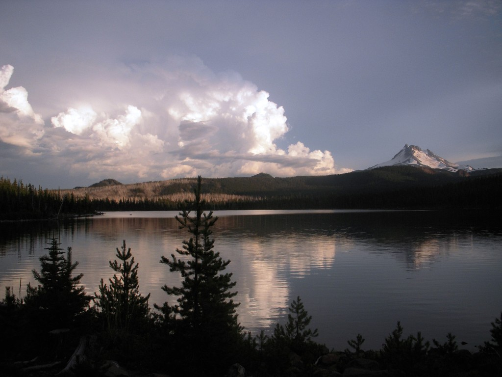 Thunder clouds and Mt. Jefferson