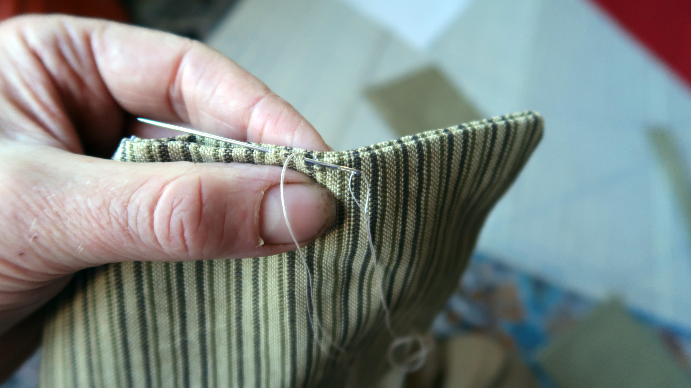Straps: sewing end shut